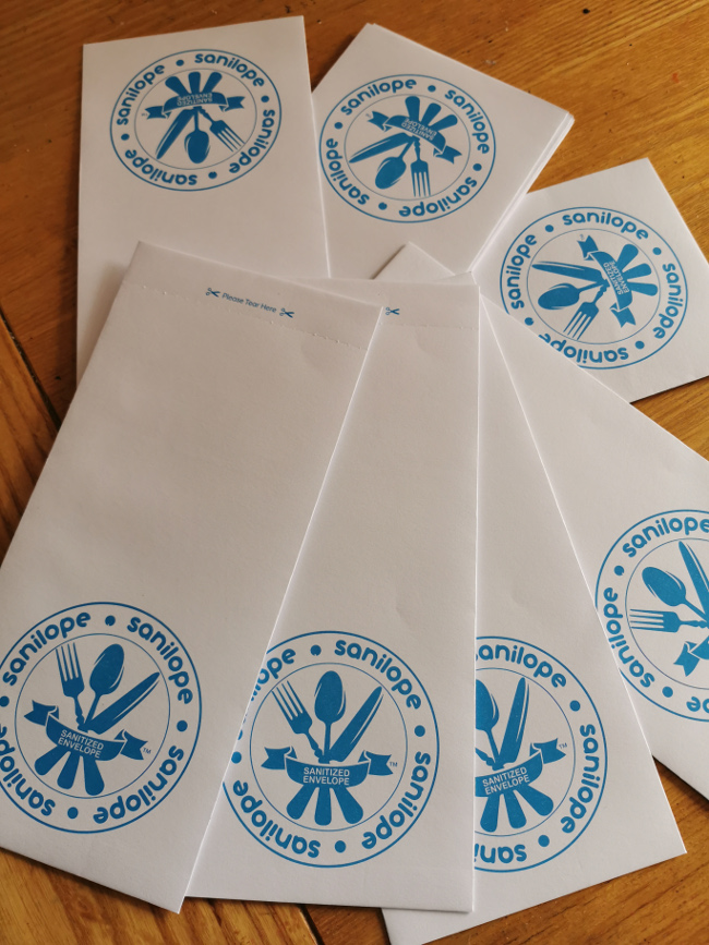 A bunch of Sanilope envelopes.